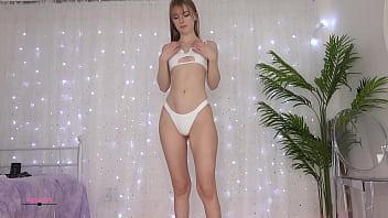 Perfect body webcam model Ambercutie