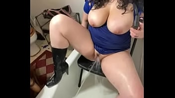 Sexy dancer takes it in the ass